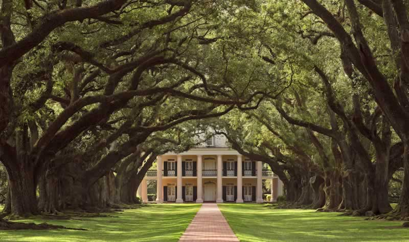 Louisiana historic plantation homes locations photos for Home builders in south mississippi
